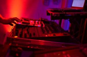 DJ Master - imprezy 18-tki Tuchola - Profesjonalne usługi muzyczne, nagłośnienie i oświetlenie